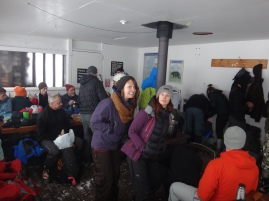Red Heather Hut, fully packed around lunch time